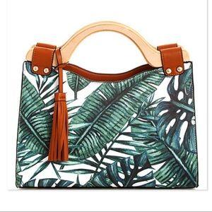 🌸WOODEN HANDLE TROPICAL PRINT BAG